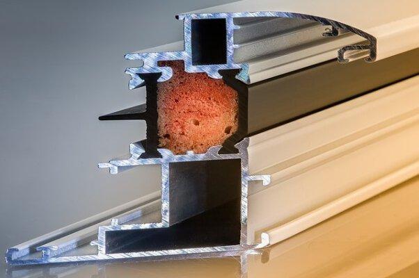 Kunststoffprofile & Metallprofile
